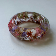 Chunky resin botanical bangle with dried flowers and leaves