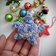 Mini speckled star decoration