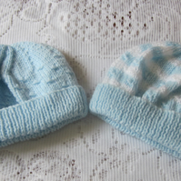 Pack of two first size hats for baby boy