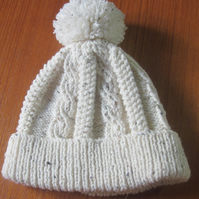 Bobble hat to fit 7-10 years