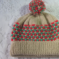 Bobble hat to fit 3-6years