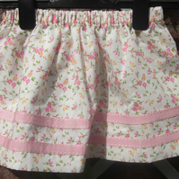 Pretty flowered skirt to fit 4 years
