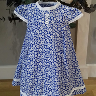 Girls blue and white daisy summer dress