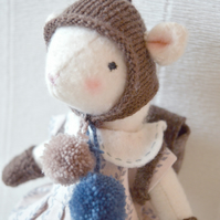 Noisette, Mouse Doll
