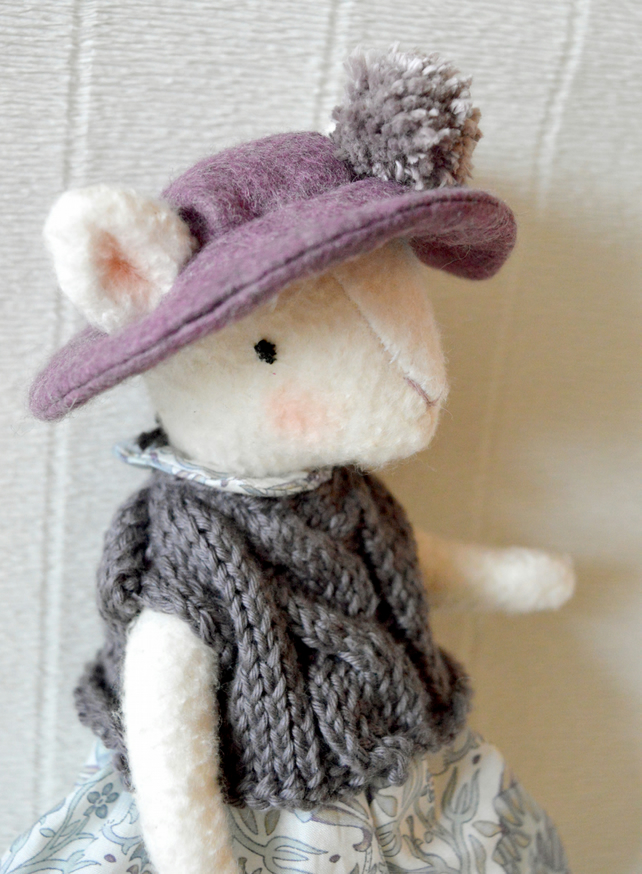 Maude, collectable mouse doll
