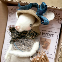 Louise The Handmade Mouse