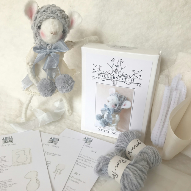 Mouse Stitching Kit - Blue Pom-Poms