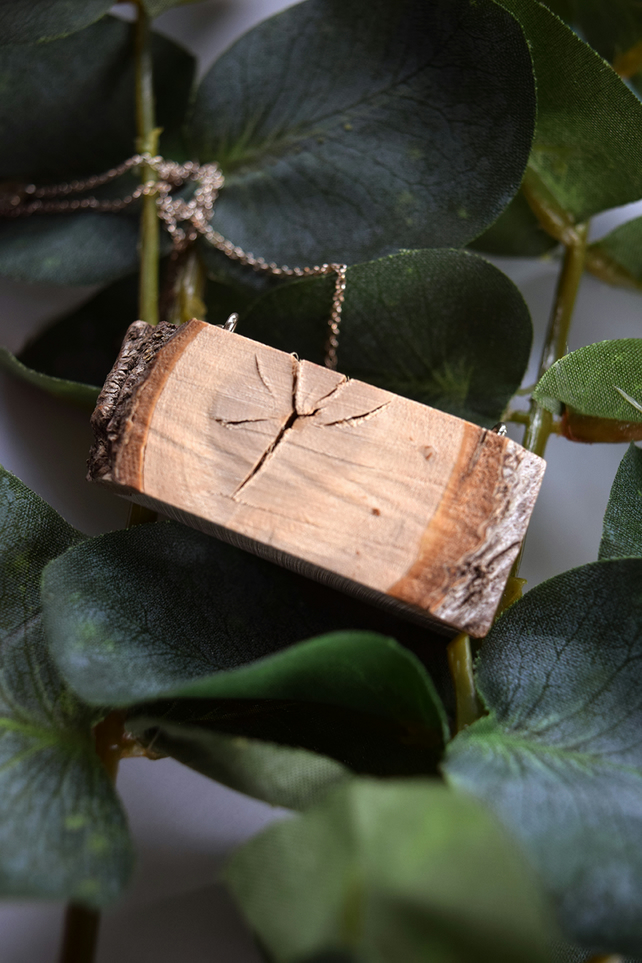 Raw Wooden Holly Necklace