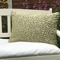 Green Berry patterned zipped pillow cover