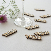Custom made monogram wooden table confetti. Personalise with initials L76