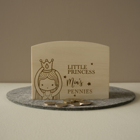 Engraved personalised little princess money box. Wooden savings box L332