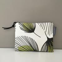 Zip Purse - Retro Leaf