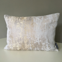Cushion - Silver and Gold