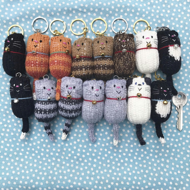 c47ebc1001 Knitted Cat Keyring - Folksy