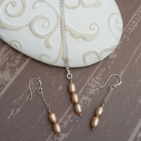 925 Sterling Silver Pearl Necklace And Earring Suite, Champagne Colour Pearls.
