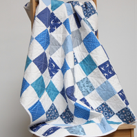Blue and white baby quilt, unisex baby quilt, baby boy quilt, baby shower gift