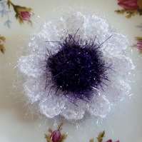 Crochet sparkle daisy flower brooch corsage pin in purple and white