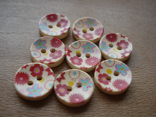 8 Round Buttons - Flower Buttons, Wooden Buttons, Novelty Buttons