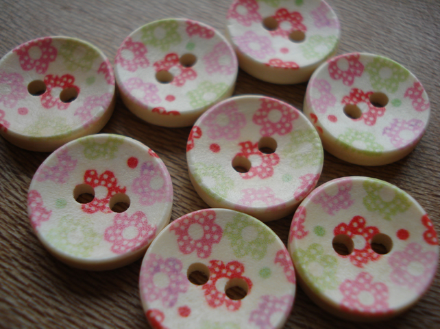 8 Floral Buttons