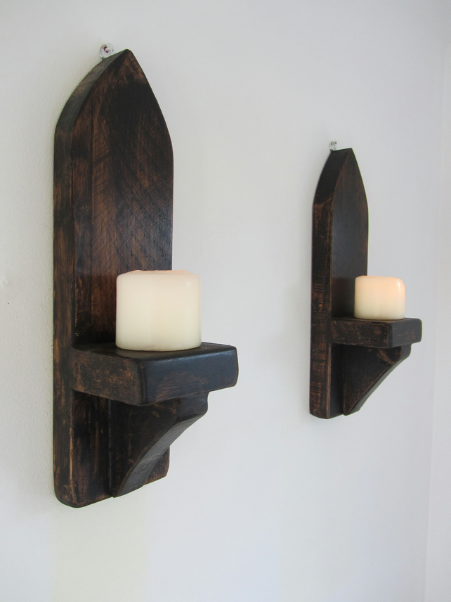 Pair of 40 cm reclaimed plank wood Gothic arch wall sconce's led candle holders
