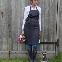 Garden Apron in Charcoal Grey Linen
