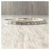 Sterling silver Indian bangle, etched silver stacking bangle Indian pattern,