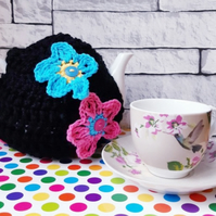Black Tea Cosy Decorated with Flowers, Retro Cozy, Vegan Gift