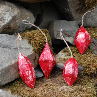 FESTIVE RED BAUBLES CHRISTMAS DECORATIONS SET OF 4