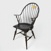 Colonial Continuous Arm Windsor Chair