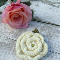 Knitted Yorkshire rose brooch white rose yarn brooch flower brooch