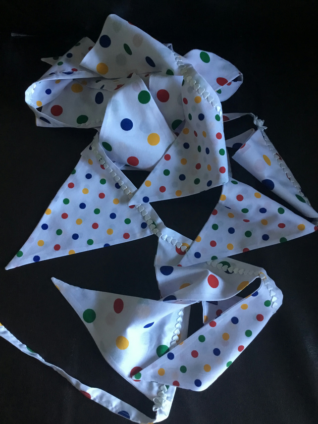 2.5 Mts Spotty Washable Bunting