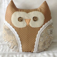 Handmade taupe appliqué owl cushion