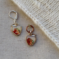 Apple stitch marker for knitting or crochet