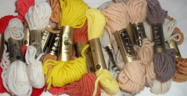 Anchor Tapestry Wools 30 x Hanks Plus 1 x Large Carnival Hank Ref No FY427