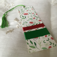 Red Roses Bookmark with Green Tassel