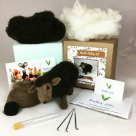 Sheep - Needle Felting Kit with Felting Foam