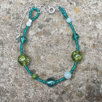 Emerald, olive & sage green crackle glass bead bracelet