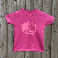 FEEDING BIRDS  T Shirt
