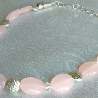 Rose quartz gemstone beaded necklace
