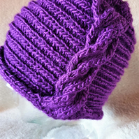 Ladies 20's style purple cloche hat with twisted cable detail