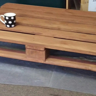 Rustic Pallet Coffee Table, Rustic, Cottage Style design with Caster wheels