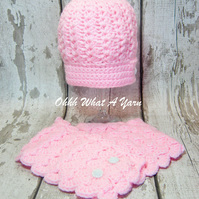 Pink chunky crochet cloche hat and button scarf - Age 1-2 years approx