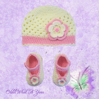Pink and cream baby hat and shoes set, size  3-6 months