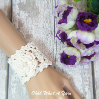 Crochet cream, ivory flower and bead bracelet, cuff, wedding bracelet.