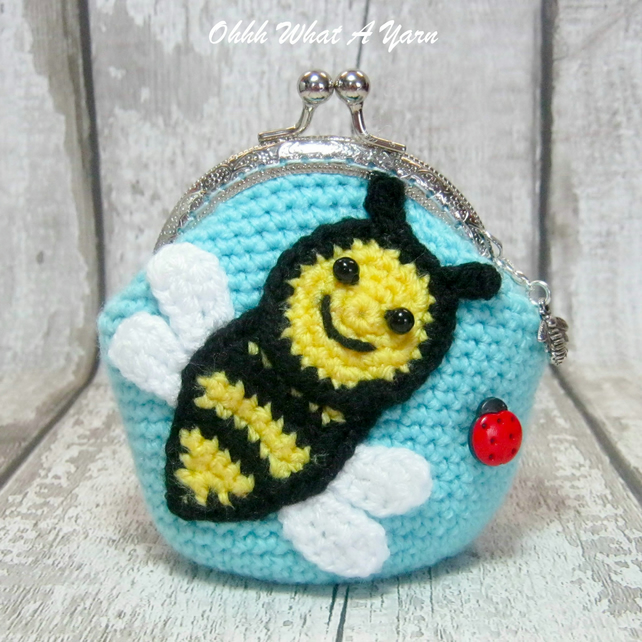 Crochet bee purse, crochet purse, coin purse, bee coin purse, bee gift