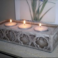 BEAUTIFUL GOTHIC STONE EFFECT TRIPLE TEA LIGHT HOLDER