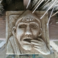 Lovely toothache funny grotesque stone hanging plaque garden or interior