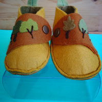 woods for the trees...peter pan baby shoes 3-7 months - embroidered felt