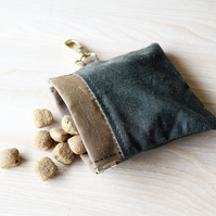 Puppy dogs treats pouch - handy size fits easily into pocket or onto lead