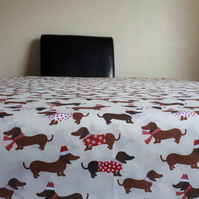 Christmas Dachshund Dog Breed Reusable Washable Tablecloth Xmas Cream